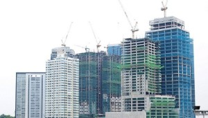 condo-under-construction-philippines-RobertVerzo-Flickr1