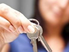 handing-over-keys-house-for-sale-Shutterstock-maincrop-250x200
